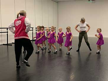 Mini tappers working on new footwork